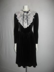 Vintage Brandan Street Black Velour Off White Floral Scallop Edge Lace Ruffle Tie Neck Bib Dress