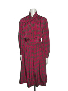 Vintage Magenta Grey Houndstooth Printed Tie Neck Buttoned Shirt Blouse w/ Matching Pleated Skirt  2 Pc Outfit Ensemble