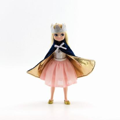 Lottie - Queen of The Castle