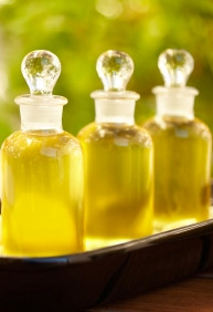 Sunflower Oil, High Oleic is cold pressed. Well known for it's similarity to human sebum.
