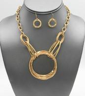 Round Pendant Necklace Set
