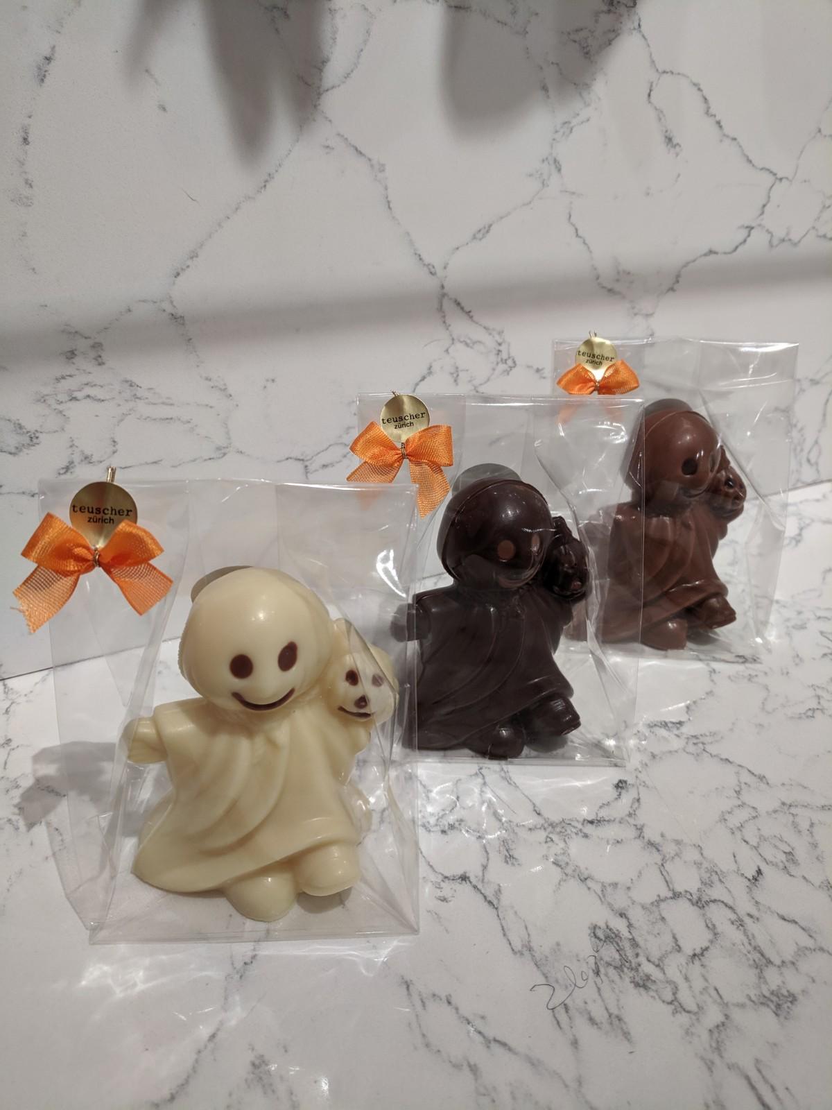 003.1-003.2-003.3-ghost-in-cellow-milk-dark-white.jpg
