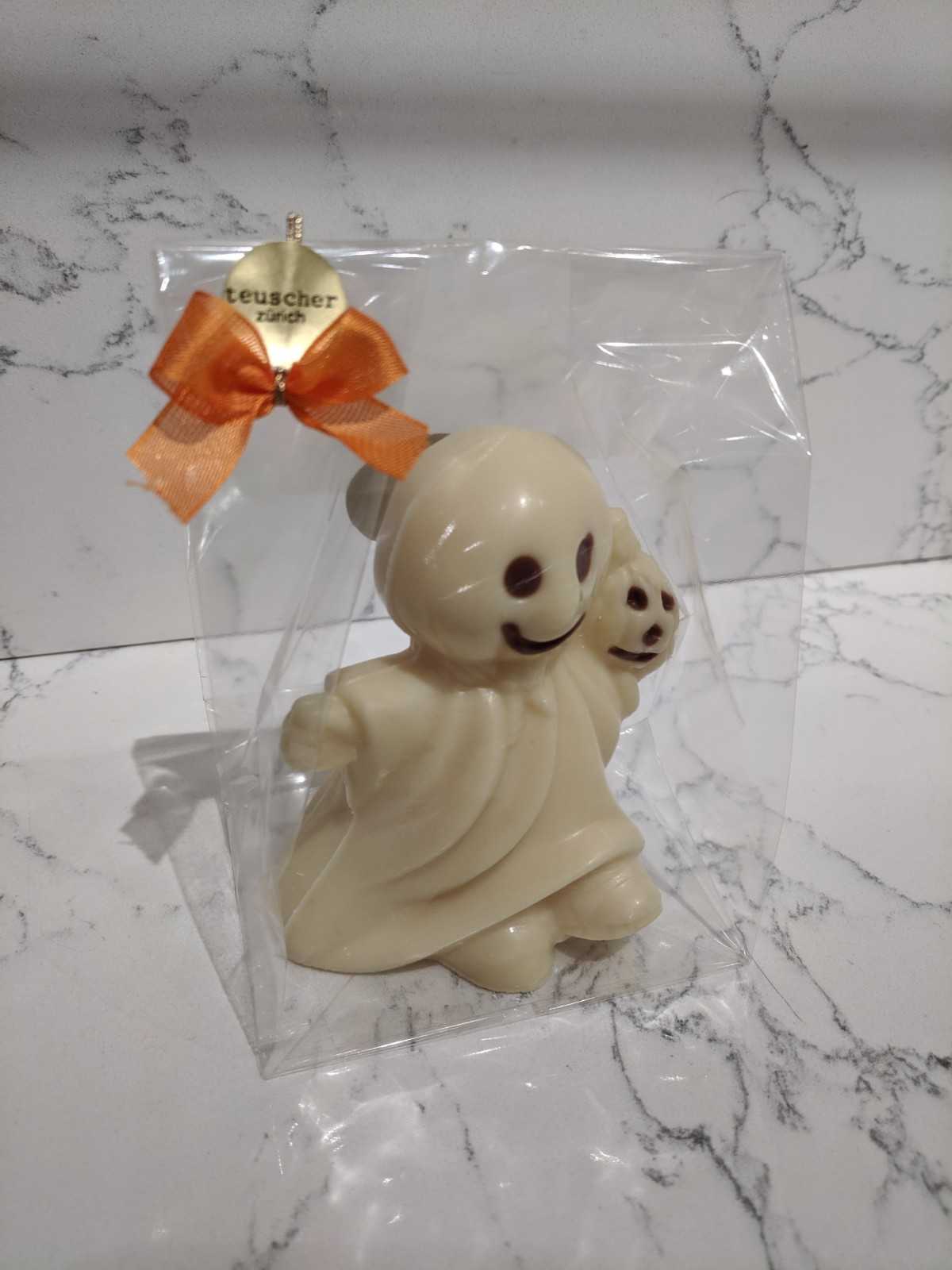 003.3-ghost-in-cello-white-chocolate.jpg