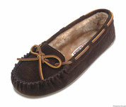 Minnetonka Womens Pile Lined Cally Chocolate Slipper Moccasin