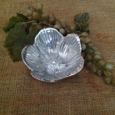 Magnolia Shaped Small Bowl