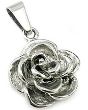 Ladies Stainless Steel Flower Pendant