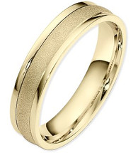 Traditional Style 5mm Multi-Texture 14 Karat Yellow Gold Wedding Band Ring