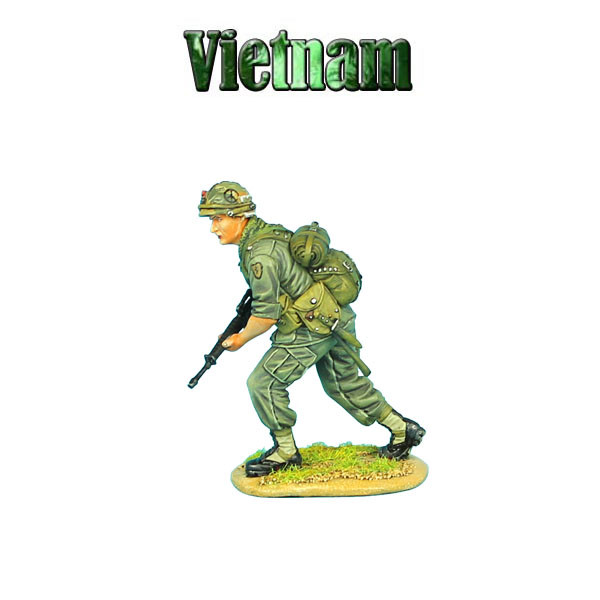 VN004 US 25th Infantry Division Advancing with M-16 by First Legion