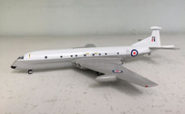 SC061 | Sky Classics 1:200 | Nimrod MR1 RAF XV259, (white/grey) | available on request