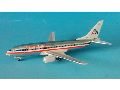 BBN678AA Blue Box 1:400 Boeing 737-300 American Airlines
