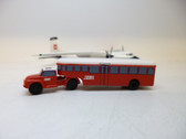 SCA018 | Sky Classics Airport Vehicles 1:200 | Bedford J5 Articulated Bus BEA (red/white)