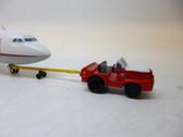 SC233 | Sky Classics Airport Vehicles 1:200 | Aircraft Tug & Tow Bar Dan-Air London (red/white)