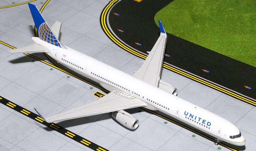 BOEING TWA AIR LINES 1ST 757   LAPEL PIN
