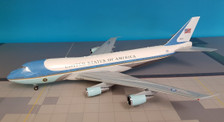 IFUSA01AP | InFlight200 1:200 | Boeing 747-200 VC-25A USAF Air Force One 28000 (polished, with stand)