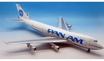 IF7411115P | InFlight200 1:200 | Boeing 747-100 Pan Am N737PA, 'Billboard' (polished, with stand)