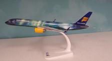 610735 | Herpa Snap-Fit (Wooster) 1:200 | Boeing 757-200 Icelandair TF-FIU, 'Hekla Aurora'