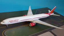 IF77730516 | InFlight200 1:200 | Boeing 777-300ER Air India VT-ALO (with stand)
