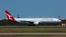 EAG100048 | Eagle 1:200 | Airbus A330-300 Qantas VH-QPJ | is due: January 2017