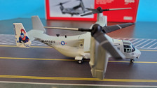 558549   Herpa Wings 1:200 1:200   MV-22 Osprey USMC,VMM365, 'Blue Knights' (die-cast)