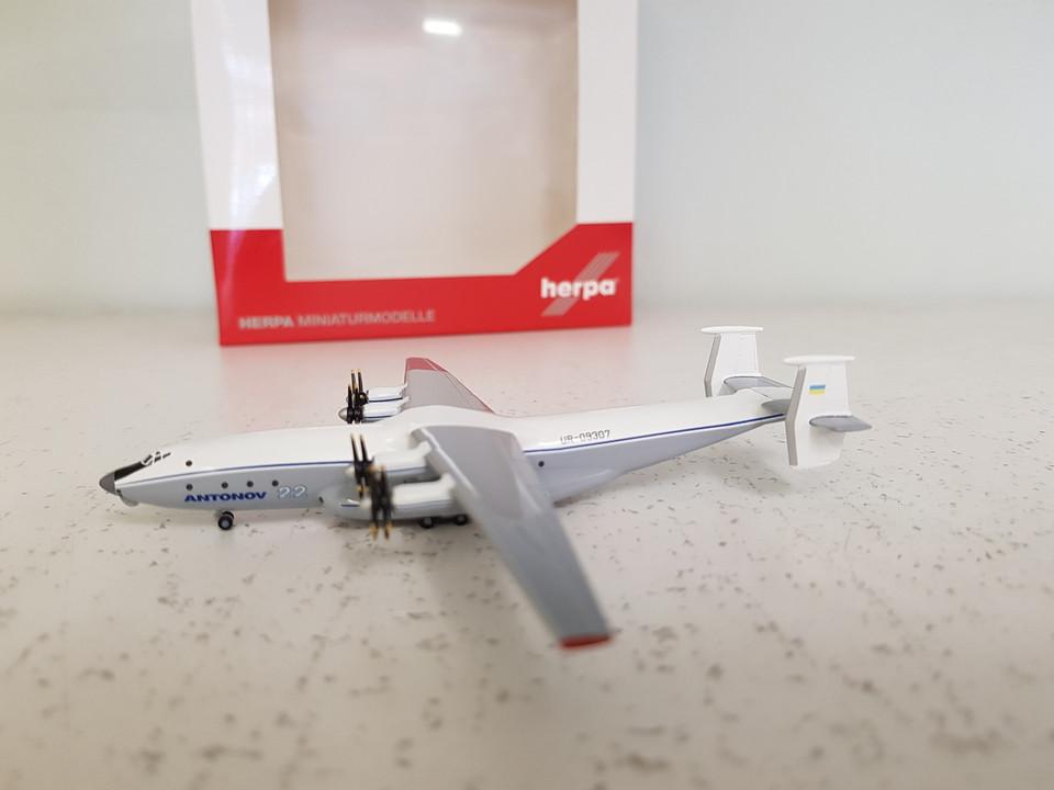 Retail Design Bureau.530378 Herpa Wings 1 500 Antonov An 22 Antonov Design Bureau Ur