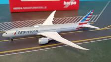 530422   Herpa Wings 1:500   Boeing 787-9 American Airlines N820AL