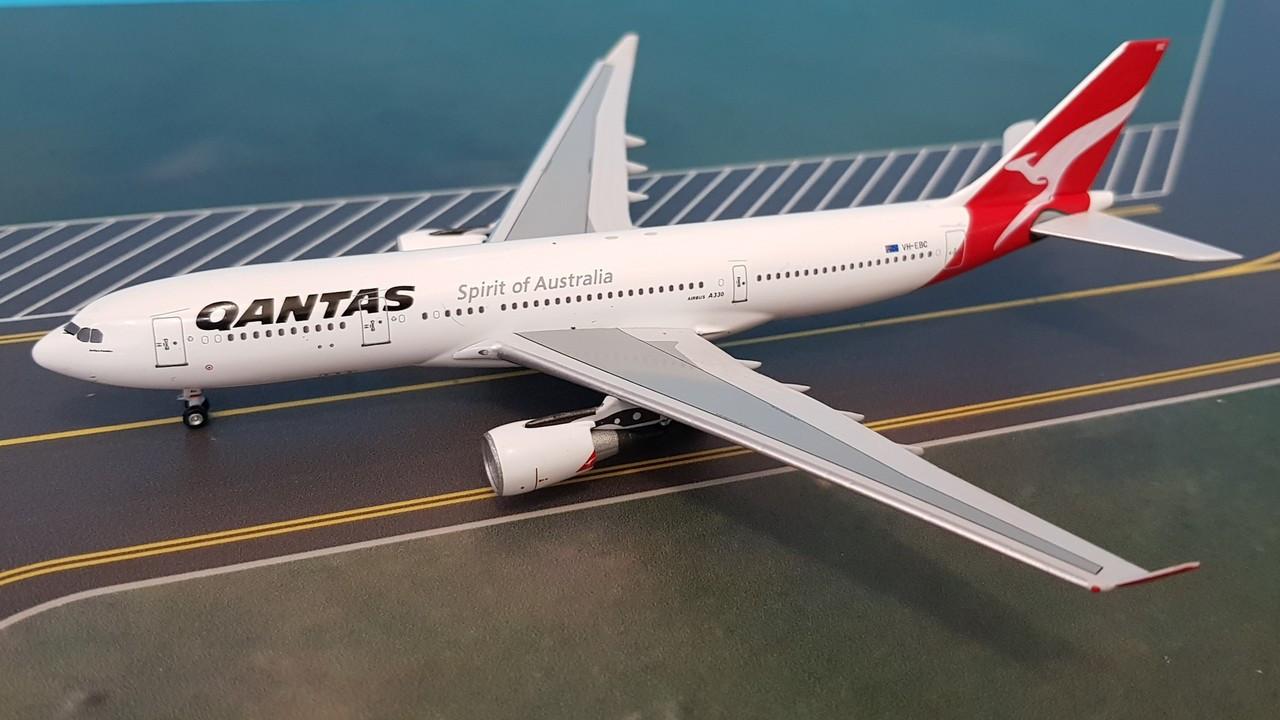 ACVHEBC2 | Aero Classics 1:400 | Airbus A330-200 Qantas VH
