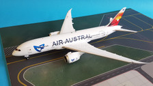 LH2047   JC Wings 1:200   Boeing 787-8 Air Austral F-OLRB(incl.stand)