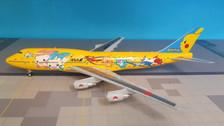 XX2154A | JC Wings 1:200 | Boeing 747-400D ANA' Pikachu Jumbo-Down), (incl.stand)