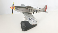 BD168 | Bravo Delta Mahogany 1:28 | P-51D Mustang B6-Y 414888, 'Glamorous Glen III' (flying configuration, with stand)