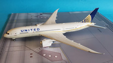 IF78780118 | InFlight200 1:200 | Boeing 787-8 United N26906 (with stand)