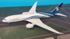 IF78781017 | InFlight200 1:200 | Boeing 787-8 Oman Air A4O-SB (with stand)
