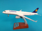 WB-A320-002 | JFox Models 1:200 | Airbus A320 Lufthansa D-AIQL, 'Football Nose' (with stand)