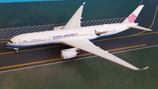 AV4014 | Aviation 400 1:400 | Airbus A350-900 China Airlines B-18901, 'Mikado Pheasant' (with stand)