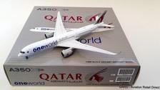 XX4047 | JC Wings 1:400 | Airbus A350-900XWB Qatar Airways A7-ALZ 'One World' (flaps up)