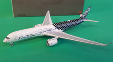 AV4010 | Aviation 400 1:400 | Airbus A350-900 House Colours F-WWCF, 'Carbon' (with stand)