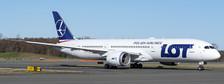 XX4424A | JC Wings 1:400 | Boeing 787-9 LOT SP-LSA (flaps down)