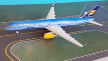 G2ICE676 | Gemini200 1:200 | Boeing 757-200 Icelandair TF-FIR, '80 Years' (with stand)