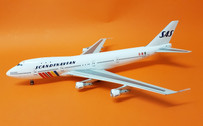 IF742SAS0618 | InFlight200 1:200 | Boeing 747-200 SAS Scandinavian LN-AEO, 'Ivar Viking' (with stand)