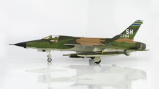 HA2516 | Hobby Master Military 1:72 | F-105D Thunderchief 62-4284, 465th TFS, AFRES, 'Triple MiG Killer', 1967