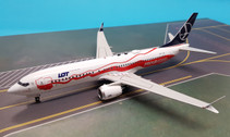 IF737MAXLOT02 | InFlight200 1:200 | Boeing 737 MAX 8 LOT SP-LVD, 'Independence' (with stand)