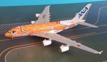 EW4388004   JC Wings 1:400   Airbus A380 ANA JA383A, 'Flying Honu, Ka La'