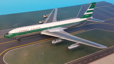 WB-707-3-HHJ | Blue Box 1:200 | Boeing 707-300 Cathay Pacific VR-HHJ (with stand)