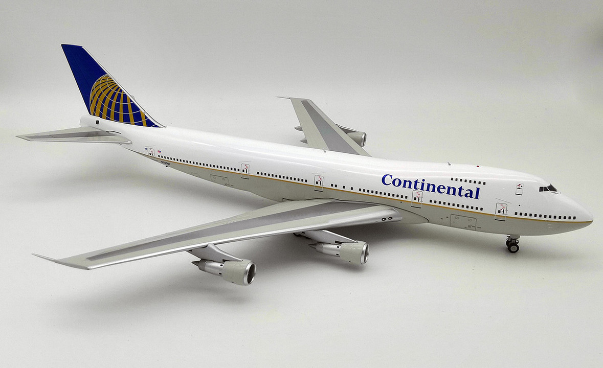INFLIGHT 200 IF742CO1218 1//200 CONTINENTAL AIRLINES B747-200 N33021 WITH STAND