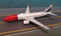 AC419353 | Aero Classics 1:400 | Boeing 737 MAX 8 Norwegian EI-FYC, 'Jonathan Swift'