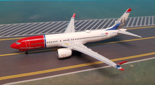 AC419354 | Aero Classics 1:400 | Boeing 737 MAX 8 Norwegian EI-FYD, 'Benjamin Franklin'