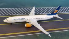 PH04220   Phoenix 1:400   Boeing 737 MAX 8 Icelandair TF-ICU