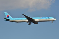 PH04216 | Phoenix 1:400 | Boeing 777-300ER Korean Air HL8010 | is due: November 2018