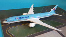 B-789-KA-001 | InFlight200 1:200 | Boeing 787-9 Korean Air HL8084 (with stand)