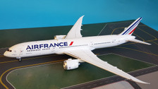 IF789AF0119 | InFlight200 1:200 | Boeing 787-9 Air France F-HRBF (with stand)