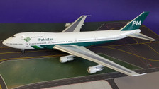IF742PK002 | InFlight200 1:200 | Boeing 747-200 PIA Pakistan AP-BCO (with stand)